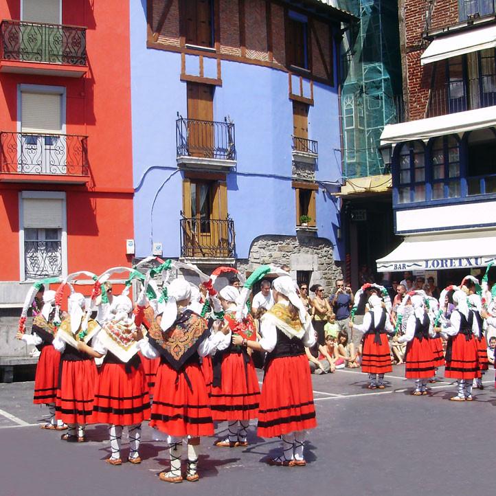 centre de vacances pays basque anglet folklore